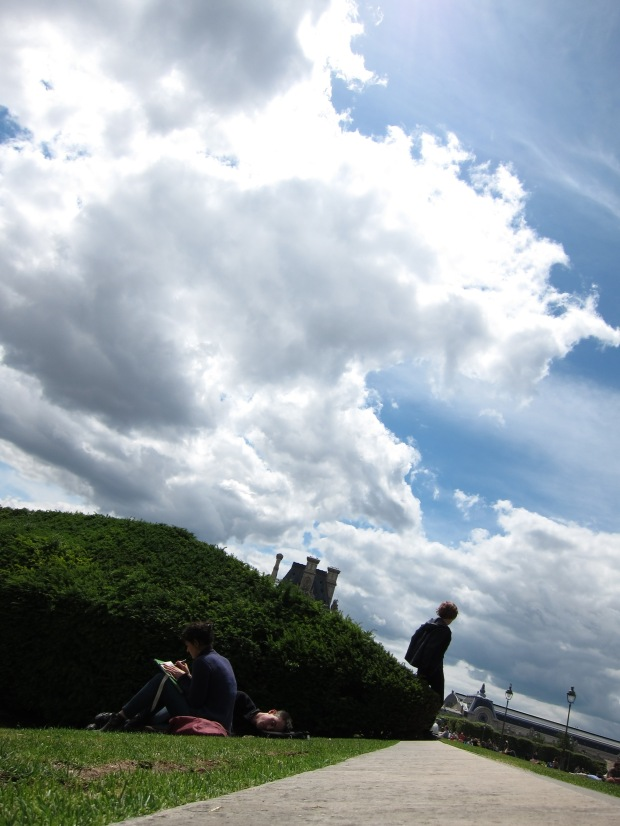 Louvre, Sun, Hedge