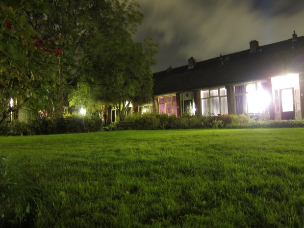 Hofje Garden, Night time