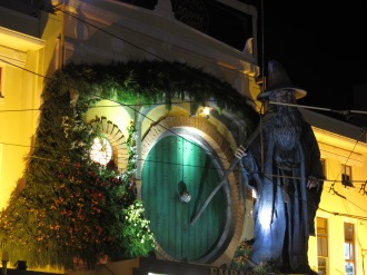 Giant hobbit-hole! Art! Installation! Lights!